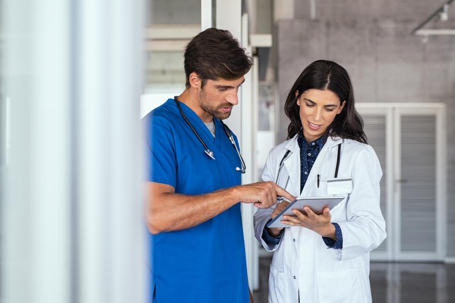 ESAIC Doctor and nurse